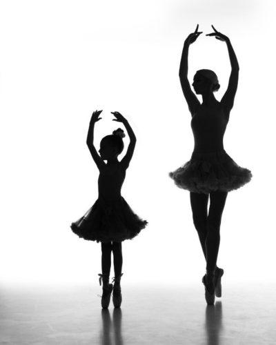 """ph: Борис Крупник  урок курса """"Свет-наше всё!""""md: Елизавета Грибанова и Стефания ТимошенкоРаботаем с фоновым светом. Фотокурс """"Свет наше все"""""""